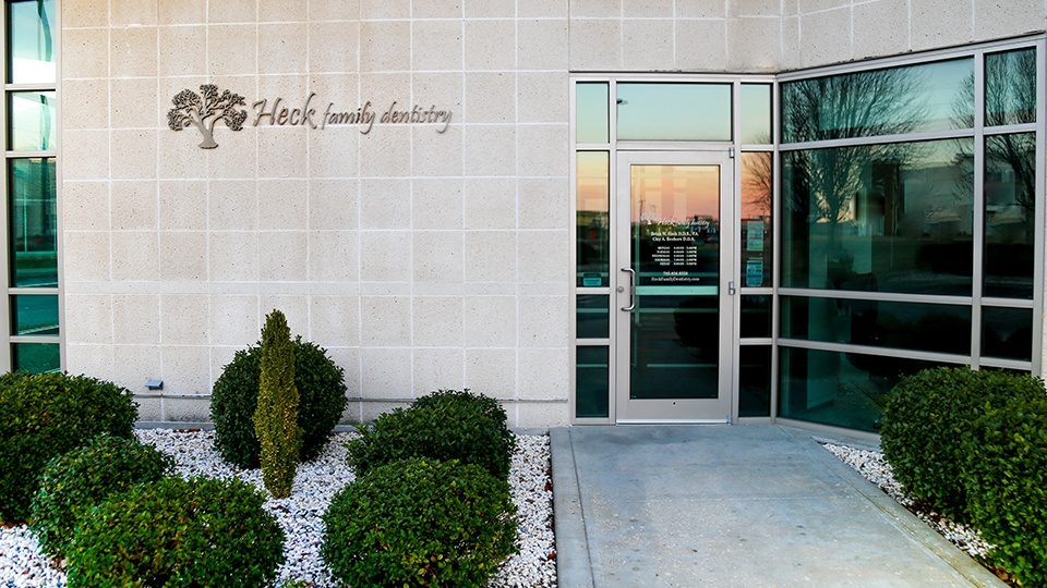 Entrance into Heck Family Dentistry of Lawrence