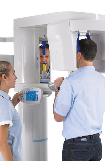 Patient receiving cone beam x-ray scan